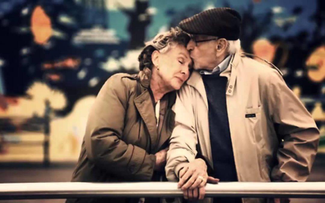 Cosa ci mantiene VERAMENTE in salute e felici lungo il corso di una vita ?